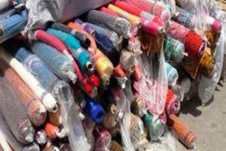 کشف محموله  پارچه های قاچاق در کاشان