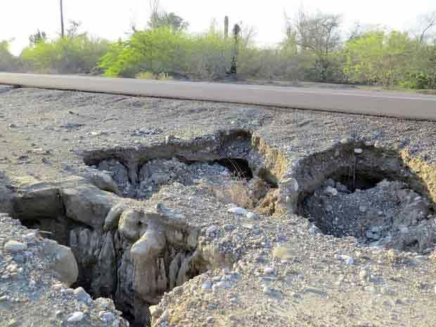 خطر فروچاله ها دشت های  رودان را تهدید می کند
