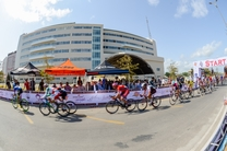مسابقات دوچرخه سواری جایزه بزرگ قهرمانی کشور جام کاسپین در منطقه آزاد انزلی برگزار شد