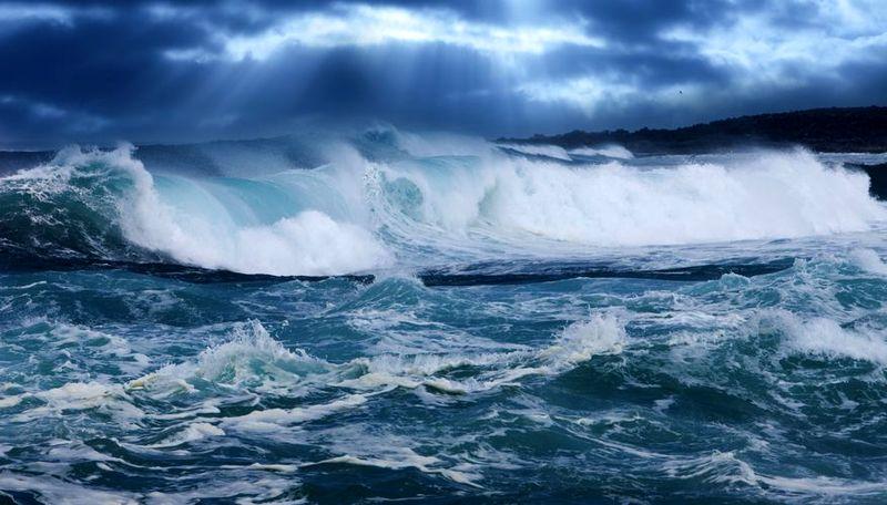 توقف تردد شناورهای مسافری قشم به بندرعباس و بالعکس