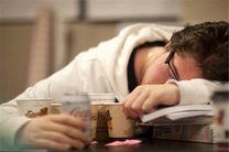 از دلایل خستگی مزمن خواب زیاد، اضطراب و کم آبی بدن است