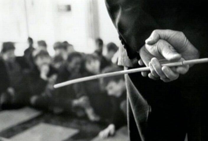 تنبیه بدنی یک دانش آموز در بندرعباس