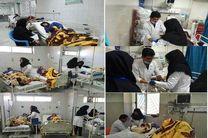 عیادت نماینده وزیر آموزش و پرورش از دانشآموزان حادثه داراب